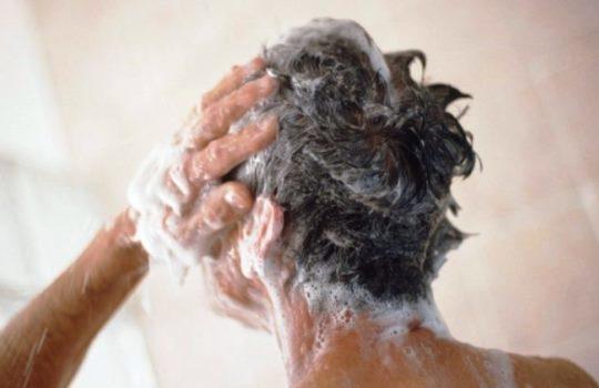 Tips Mencuci Rambut agar Kesehatan Rambut Kulit Kepala Tetap Terjaga